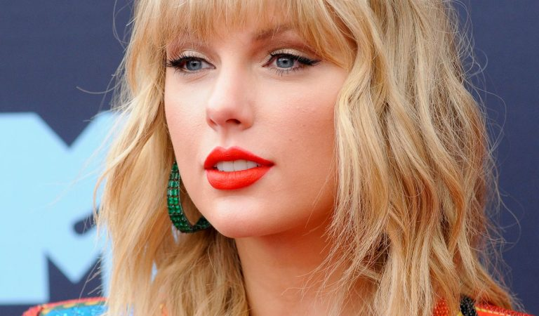 Are you a true Taylor Swift fan? Part 2 of a Taylor Swift quiz!